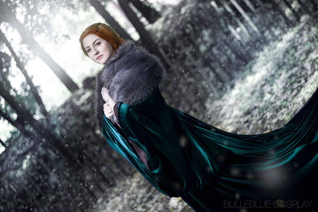 Sansa Stark costume from Game of Thrones by Bulleblue Cosplay